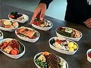 Jedlo do lietadla - ako sa pripravuje jedlo do lietadla