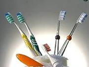 Zubné kefky - Ako sa vyrábajú zubné kefky