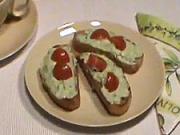 Avokádová nátierka - recept - avokádová pomazánka s cesnakom,syrom a paradajkami