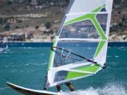 Zistenie smeru vetra a montáž oplachtenia - windsurfing