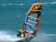 Vytiahnutie plachty z vody a riadenie smeru jazdy - Windsurfing