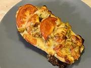Plnený baklažán - recept na plnený baklažán s kuracím mäsom, syrom, rajčinami a pažítkou
