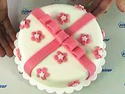 Torta s mašľou - ako vyzdobiť tortu