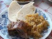 Pečená kačka s kapustou - recept na pečenú kačicu s dusenou kapustou a knedlíkom