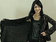 Sveter z deky - Ako sa dá z vlnenej deky vyrobiť sveter s dlhými rukávmi