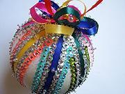Vianočné ozdoby - Pestrá a slávnostná  vianočná guľa