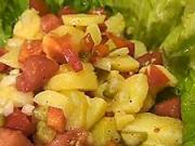 Zemiakový šalát - recept na zemiakový šalát s paradajkami,paprikou a kyslými uhorkami