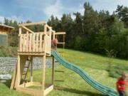 Ako sa v záhrade stavia detské ihrisko za jednu hodinu.