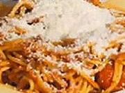 Boloňske špagety - recept na špagety s  boloňskou omáčkou a parmezánom