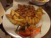 Kuracie soté so zemiakmi - recept na kuracie soté so šunkou,kukuricou a šampionmi
