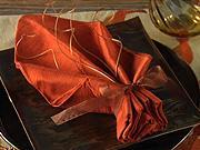 Obrúsok v tvare listu - ako poskladať obrúsok do tvaru  listu - skladanie obrúskov