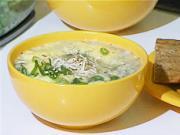 Cesnaková polievka - recept na cesnakovu polievku s cibuľkou, syrom a  topinkou - Cesnačka