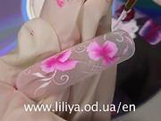 Gelové nechty s ružovými kvetmi - Ako maľovať 2 farbami súčasne