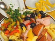Šalát z udeného tuniaka - recept na tuniakový šalát s cestovinami