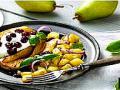 Kuřecí prsa se sýrem, hruškami a brusinkami - recept