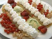 Palacinky so zmrzlinou a ovocím - recept na palacinky  - cesto na palacinky