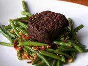 Hovězí steak - recept na hovězí steak  na zelených fazolkách