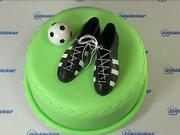 Torta ako futbalová lopta  - Zdobenie torty