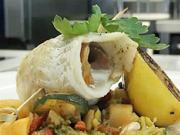 Plnené závitky z tresky na grilovanej zelenine - recept na grilované rybie filety