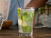 Mojito - Drink Kubánske mojito - recept na miešaný nápoj Cuban Mojito / mochito