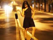 Čierne nohavicové šaty  - ako ušiť voľné nohavicové šaty na jedno ramienko