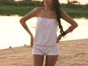 Letní sexy top s krátkými kalhotami.