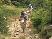 Jazda dolu kopcom - technika jazdy na bicykli z kopca