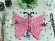 Obrúsok v tvare motýľa - ako poskladať obrúsok do tvaru motýľa