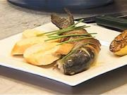 Pstruh plnený rozmarínom a slaninou - recept na pstruha na masle plneného rozmarínom a slaninkou