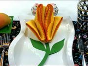 Skladanie obrúska do tvaru žĺtej ruže