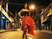Ružovo - čierne večerné šaty - ako urobiť atraktívne večerné šaty