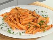 Cestoviny s paradajkovou omáčkou - recept na cestoviny Penne all´ arrabbiata