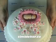 Torta s babätkom - ako ozdobiť tortu