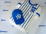 Basebalová čepice na dortu