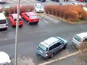 Pozdlžne parkovanie - ako zaparkovať auto - paralelne parkovanie