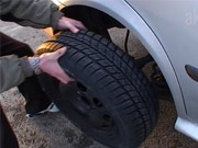 Defekt - jak opravit defekt na autě - jak si vyměnit rezervu.
