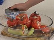 Zapečené paradajky  s tuniakom - recept na paradajky plnené tuniakom a syrom
