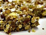 Ovocné a orechové tyčinky - recept na tyčinky s ovocím a orechami