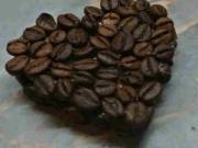 Kávové srdce - dekorácie z kávy