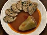 Plnená paprika - recept na plnenú papriku s paradajkovou omáčkou