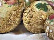 Veľkonočné vajíčka zdobené štrukturovanou  pastou