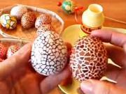 Veľkonočné vajíčka zdobené škrupinami