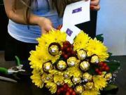 Vázání chutné kytice Ferrero Rocher