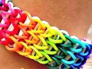 Dúhový gumičkový náramok - ako si urobiť náramok z gumičiek