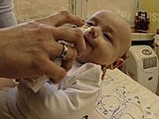 Odsávanie soplíkov u novorodencov - Ako odsávať hlieny bábätku