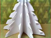 Jednoduchý vianočný stromček z papiera
