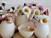 Veľkonočná dekorácia z vaječných škrupiniek