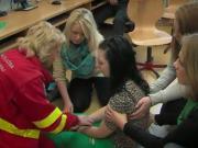 Epileptický záchvat - Prvá pomoc pri epileptickom záchvate - Padúcnica