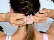 3 účesy na pláž - účesy pre mokré alebo mastné vlasy