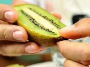3 způsoby jak jíst kiwi